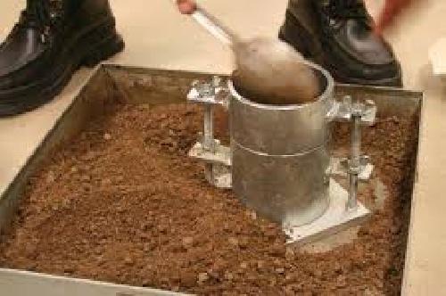 گزارش کارتعيين وزن مخصوص صحرايي خاك (پاورپوینت)