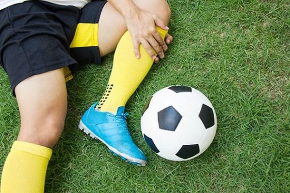 دانلود پاورپوینت آسیبهای شایع در فوتبال