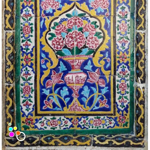 دانلود تصویر با کیفیت نمایی از کاشی کاری مسجد نصیر الملک-کد 2189