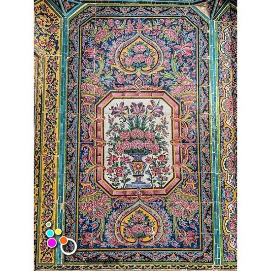دانلود تصویر با کیفیت نمایی از کاشی کاری مسجد نصیر الملک -کد 2192